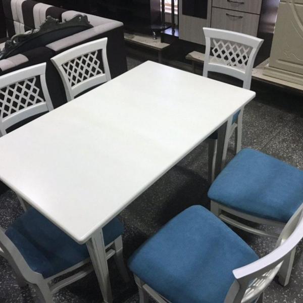 Кухонный стол с 4 стульями 1200х800х750 мм