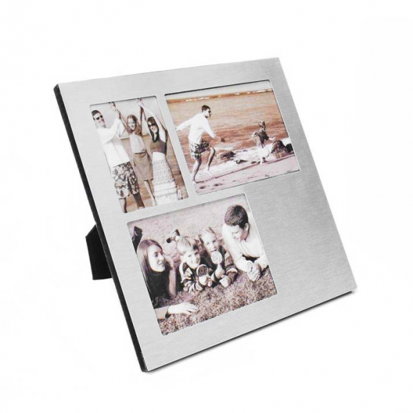 Металлическая рамка для трёх фотографий