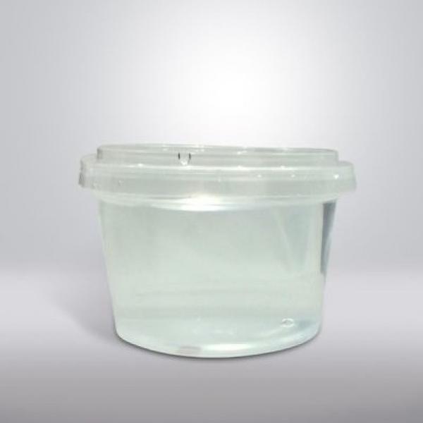 Пластиковые стаканы с крышками