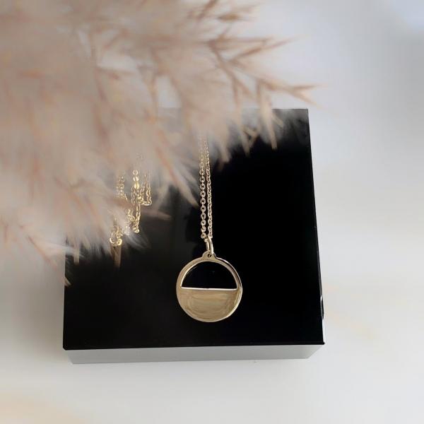 Ожерелье с кулоном полумесяца Moon