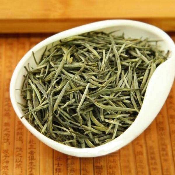Желтый чай Бэй Ган Мао Цзянь (Ворсистые лезвия из Бэйгана)